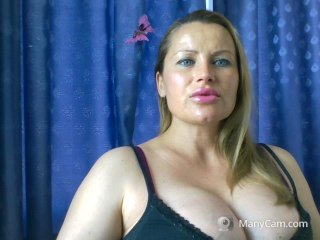 Sex cam magicblueyes online! She is 31 years old 