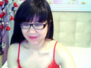 Sex cam ruolan online! She is 22 years old 