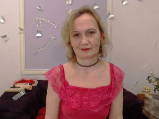 Sex cam brendasunny online! She is 52 years old 