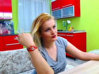 Sex cam doll girlnextdoo7 ready for live sex show! She is 33 years old blonde and speaks english,