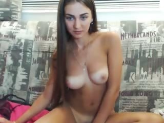 Sex cam queen_bambi online! She is 18 years old 