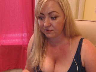 Big Boobies redtammy with shaved pussy