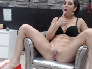Sex cam mistressmonic online! She is 39 years old 