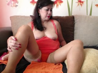 Sex cam lisahotmom1 online! She is 45 years old 