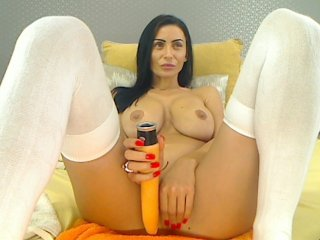 Sex cam nadiasquirts online! She is 27 years old 