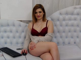 Big Boobies linaponti with shaved pussy