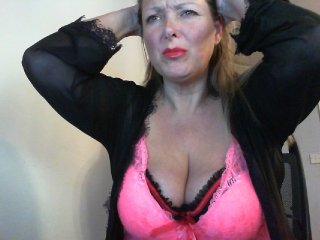 Sex cam juicyjools online! She is 50 years old 