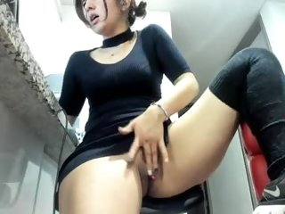 Sex cam doll vanandjuani ready for live sex show! She is 19 years old. Speaks Portugues,English,french ,italiano
