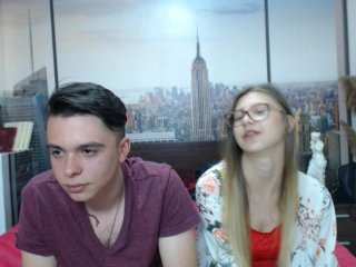 Sex cam doll alissaandbrad ready for live sex show! She is 20 years old blonde and speaks english,