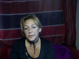 Sex cam ciarastrongxx online! She is 42 years old 