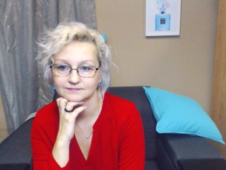 Sex cam miriamhotcam online! She is 44 years old 
