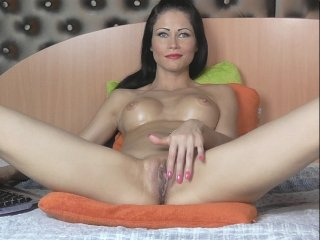 Sex cam doll tiarussel ready for live sex show! She is 28 years old brunette and speaks english,