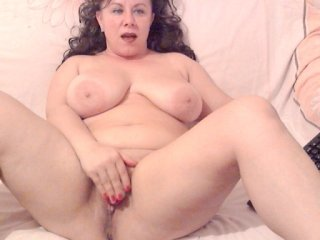 Sex cam swingermilf4u online! She is 35 years old 