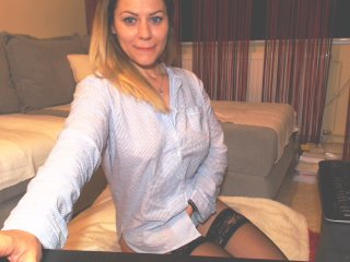 Sex cam valia online! She is 32 years old 