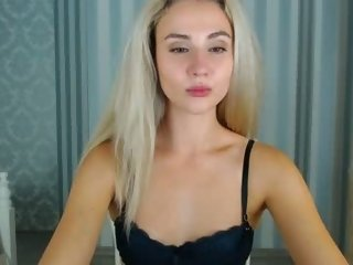 Sex cam signatureee online! She is 19 years old 