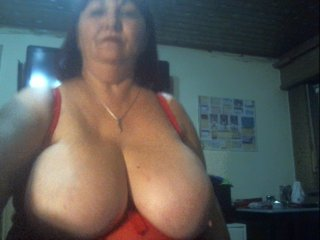 Sex cam supertitten online! She is 57 years old 
