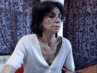 Sex cam sarahchloe online! She is 43 years old 