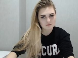 Sex cam 18emily online! She is 18 years old 