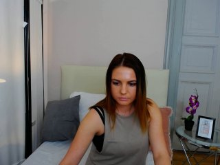 German Sex Cam nicolexsweet with brown eyes and big boobs