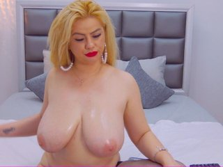 Sex cam jessyblondy online! She is 27 years old 