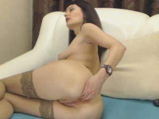 Beattrisse webcam sex video - Greedily shoving fingers into my effeminate anus