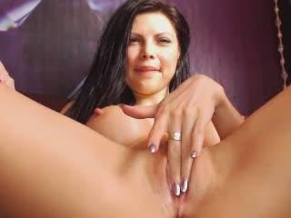 Alexa23 webcam sex video - Luxurious dark-haired pussy partially having fun in bed