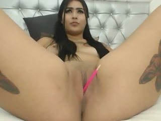 Sex cam tiffanny_26_ online! She is 19 years old 