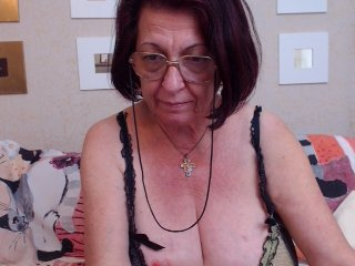 Sex cam doll luztygranny ready for live sex show! She is 61 years old redhead and speaks english,
