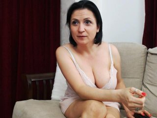 Sex cam aneflow online! She is 28 years old 