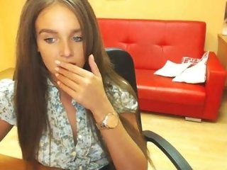 Sex cam prettyanni online! She is 19 years old 