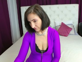 Mature sex cam annaadelyn 47 years old